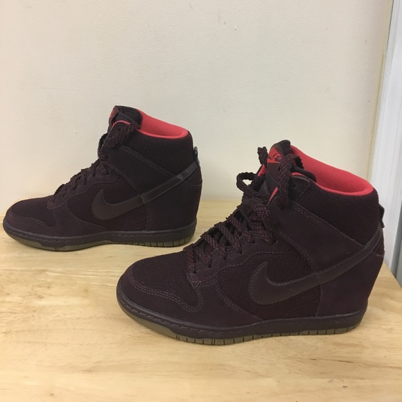 c38f115ddc1 2014 Nike Dunk Sky Hi Wedge Essential Burgundy. M 5a4d81315521be091c036ed5
